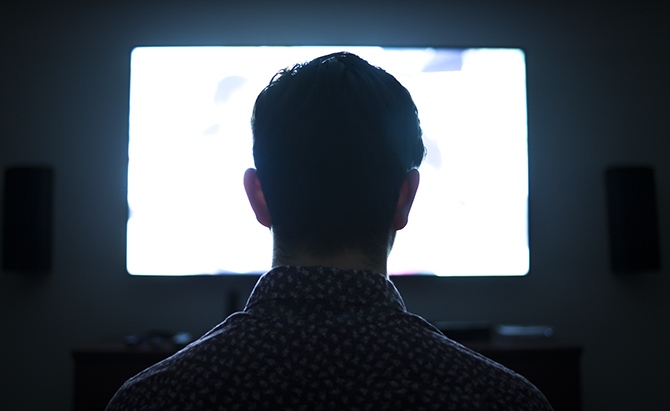 New Research on TV Binge-Watching Behaviors – Department of Communication  Arts – UW–Madison