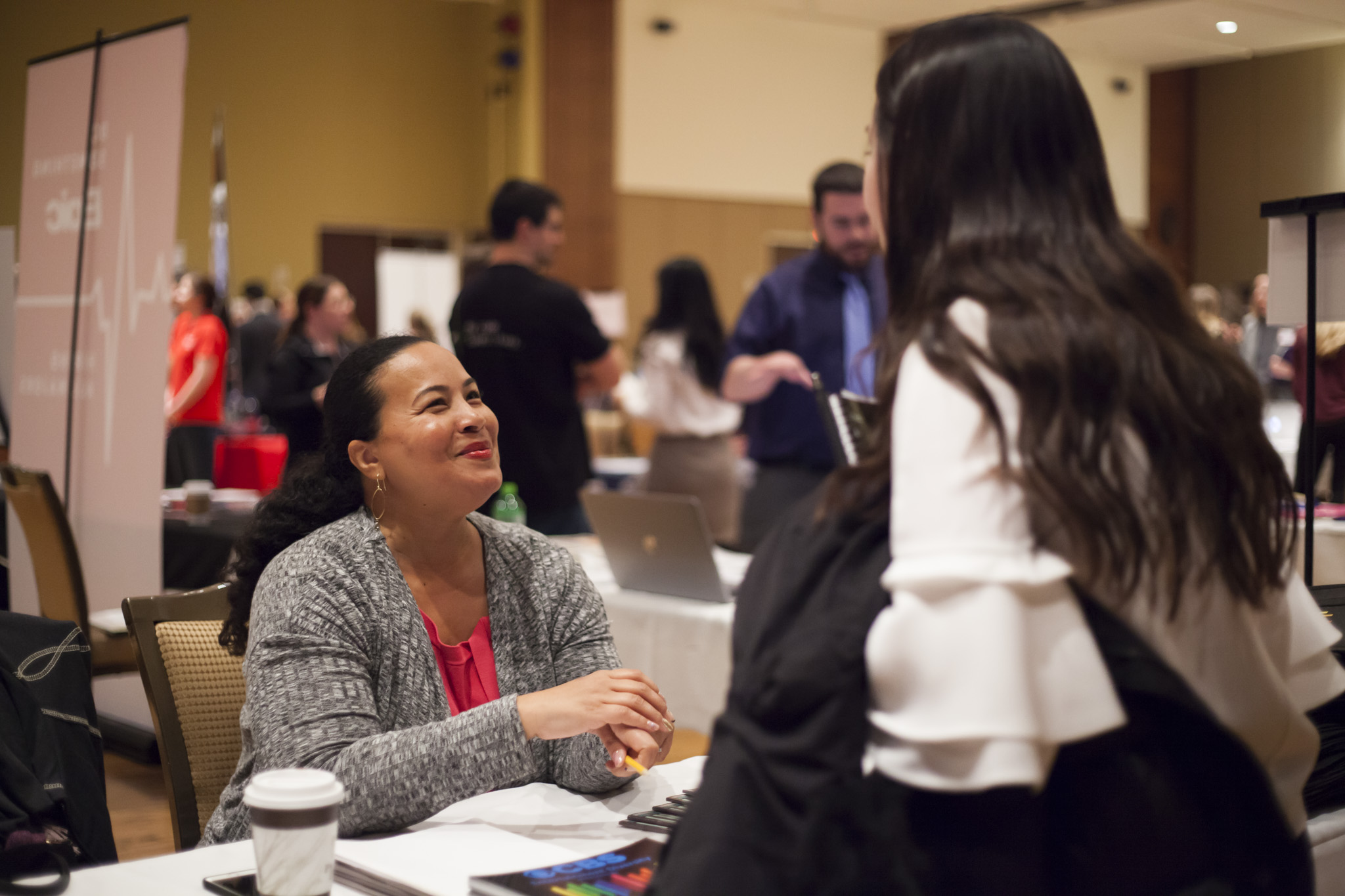 Tiffany Smith-Anoa'i, Executive Vice President, Entertainment Diversity, Inclusion & Communications of CBS Entertainment meets with students at the 2018 Advertising and Communications Career Fair at UW–Madison.